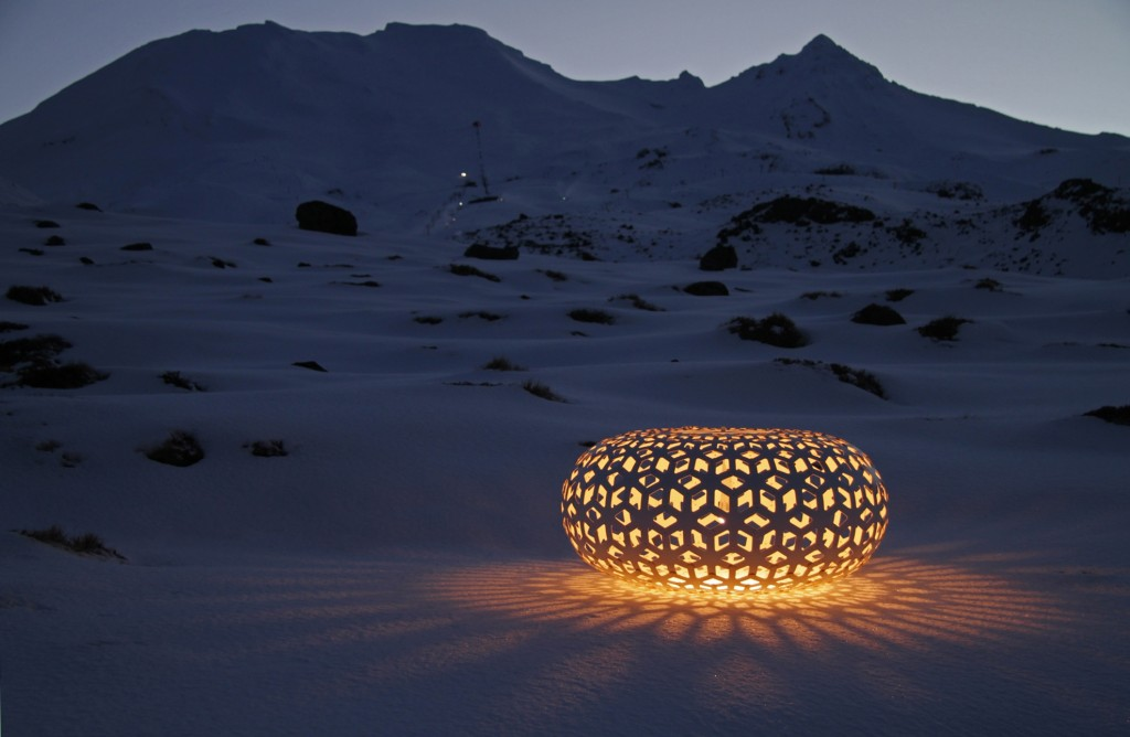 Snow Flake, lamp by David Trubridge