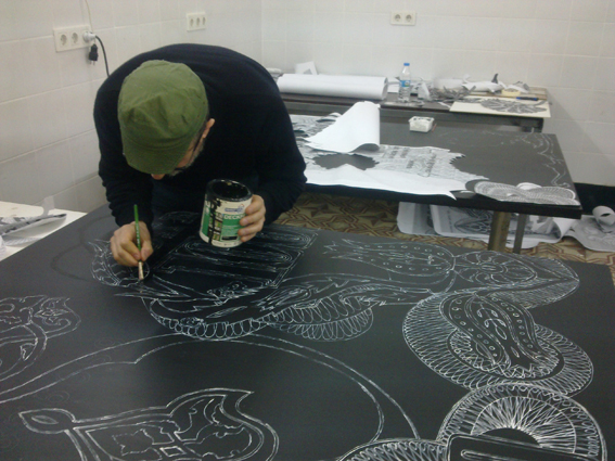 Flavio Favelli while painting