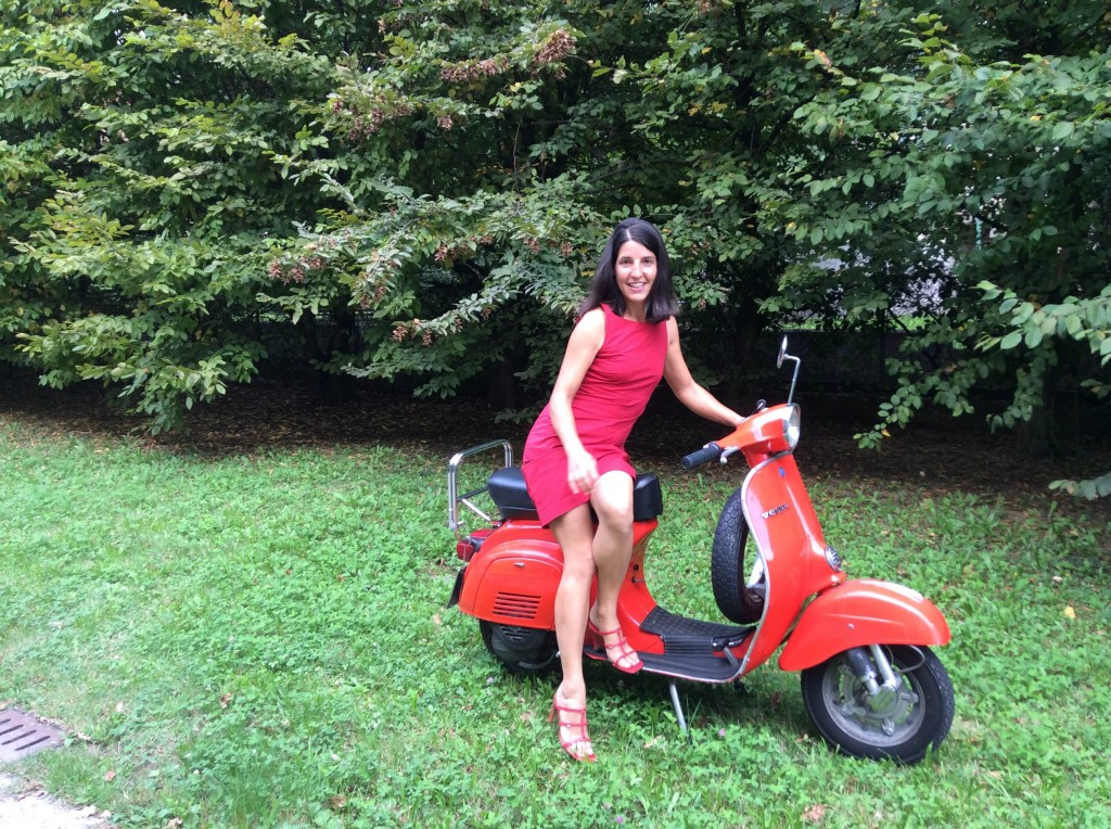 Stefania loves Vespa