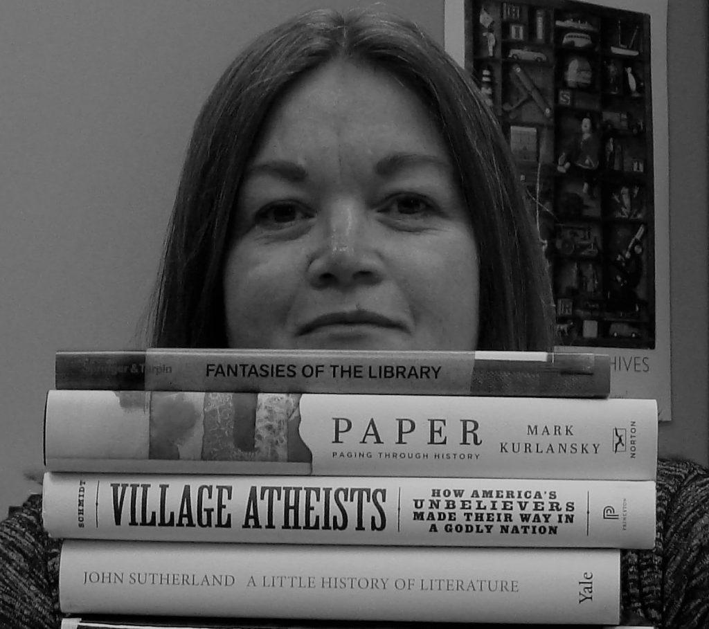 Mary Ljinzaad, bibliotecaria al MONA