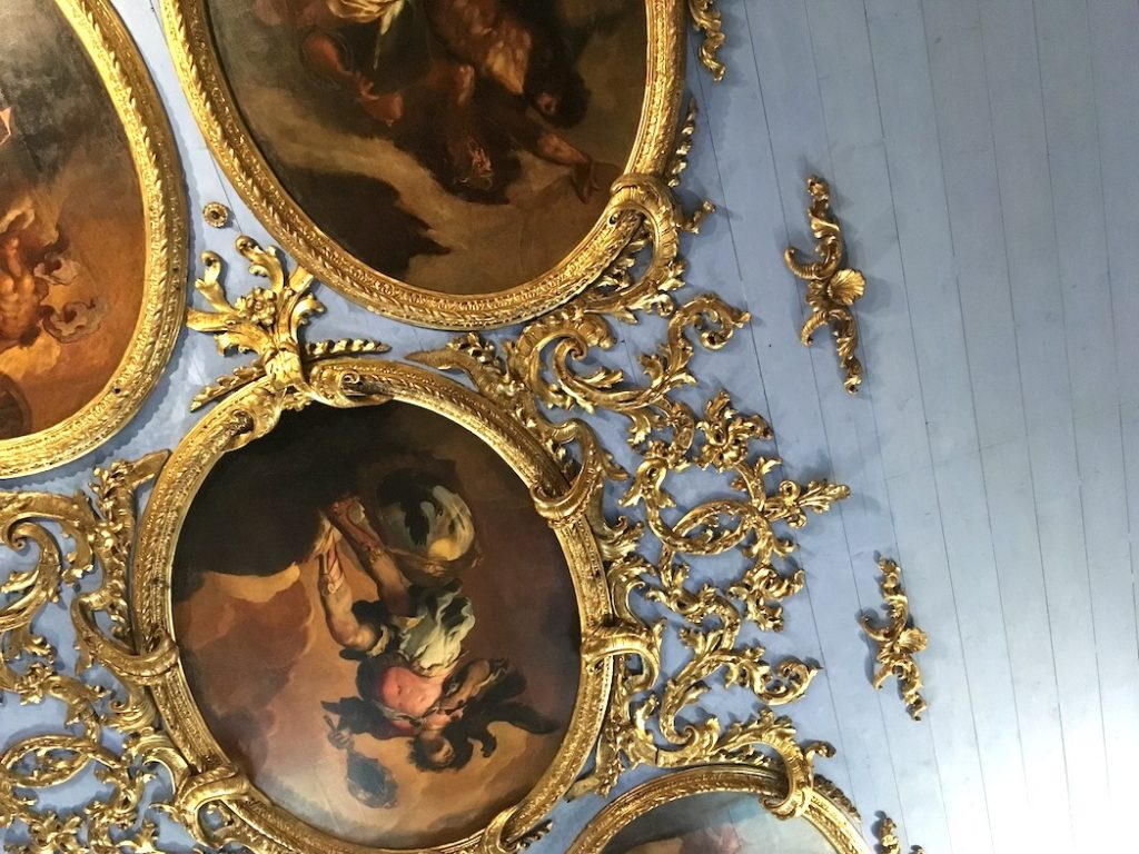 Obsessive ceilings