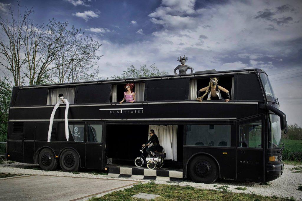 Bustheater