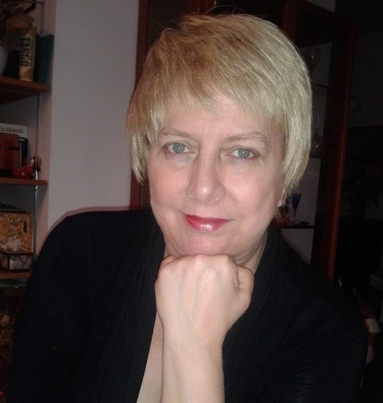 Lucia Tosi, portray by A. Giurola