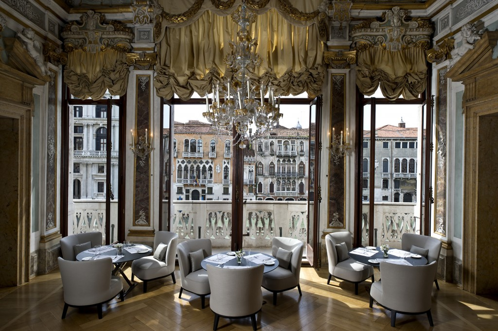 Aman Canal Grande Venice - Piano Nobile Dining Room-lpr